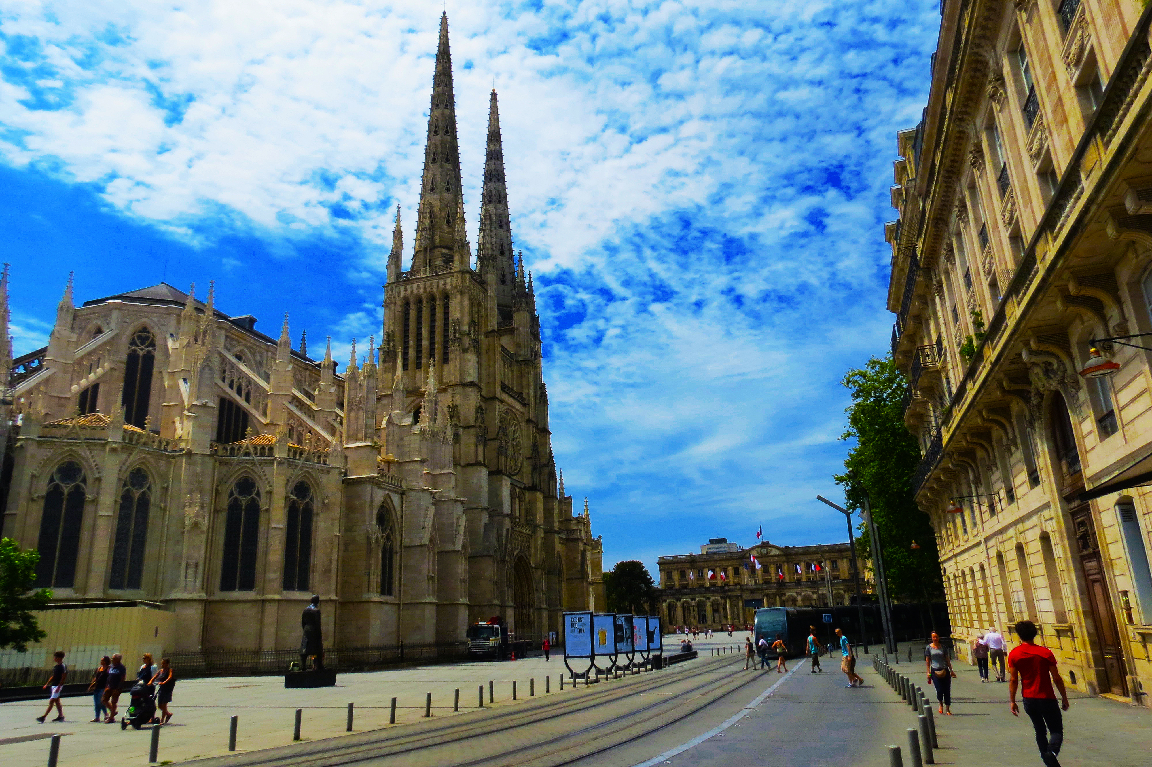 Tourist sites in Bordeaux you must see (Part II)