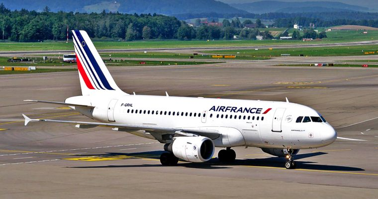 How to get to and from the Merignac Airport