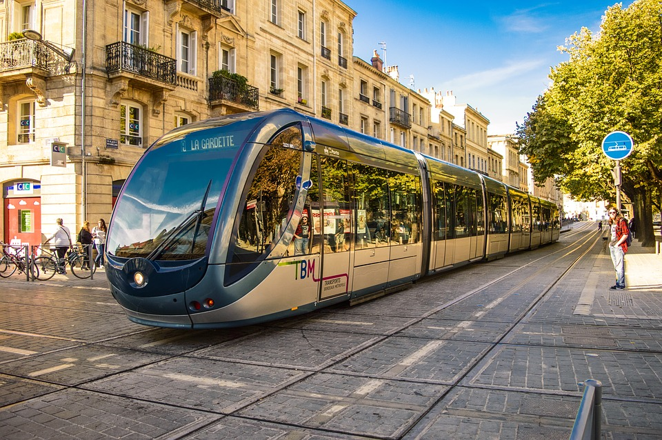 How to use the public transport in Bordeaux