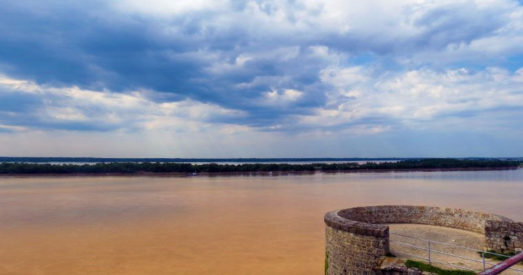 Explore the beautiful city of Blaye